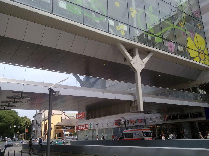 Galéria - Korzó Nyíregyháza áruházközpont adb9efb035